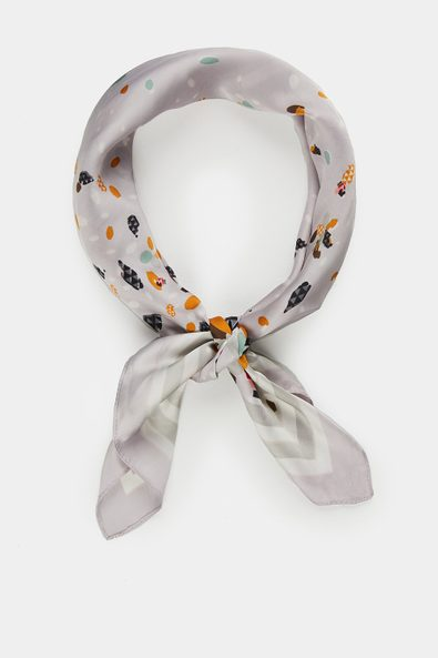 Scarf with geometric floral pr