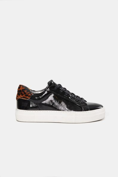Patent sneaker with leopard