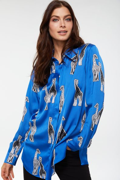 Printed shirt with side slits