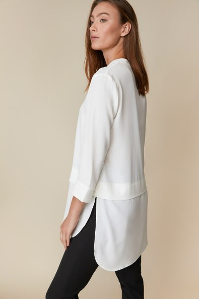 Long blouse with tab at sleeve