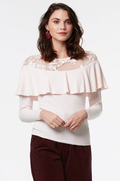 Ribbed top with lace & frill