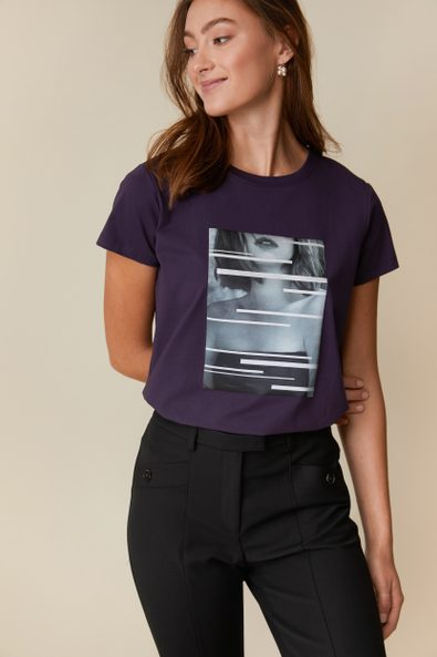 Framed picture t-shirt