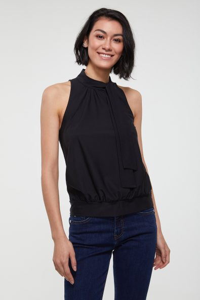 Knoted neck top