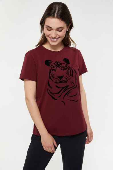 Comfort fit t-shirt with flock
