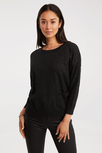 Loose sweater with pocket