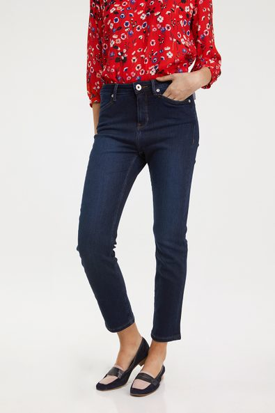 Urban fit slim jean with L pockets