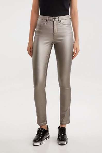 Urban Fit slim coated jeans with L pockets