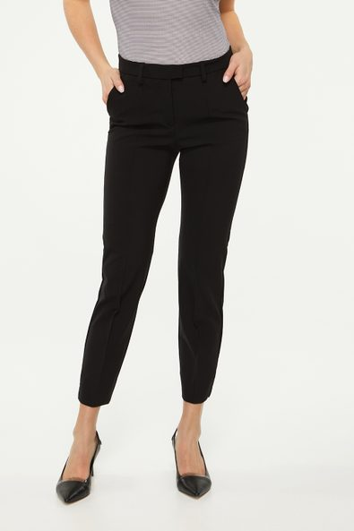 Urban fit crop pant with pintuck