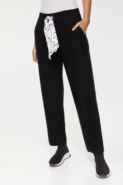 Knit pant with printed scarf