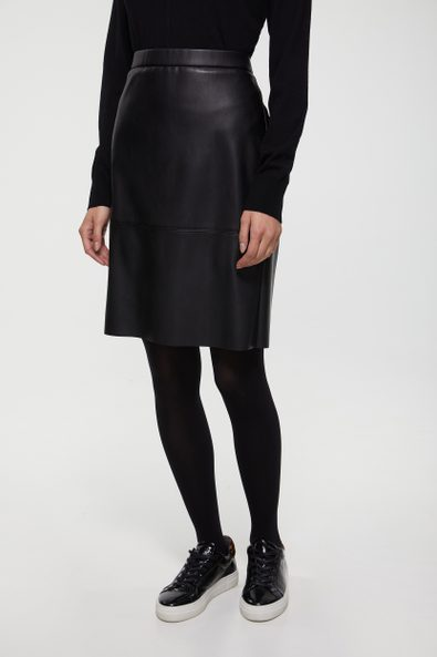 Vegan leather skirt with elast