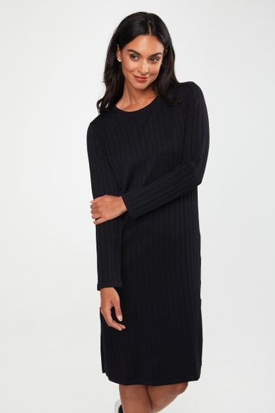 Knitted dress with long slit
