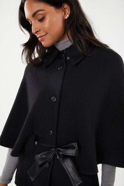 Boiled wool cape with leather