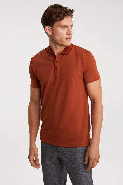Contrasting details polo