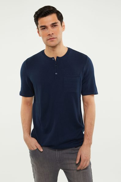 Henley knitted t-shirt with pocket