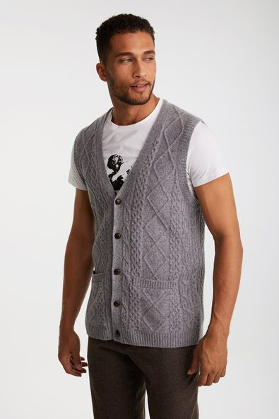 Cable sleeveless vest